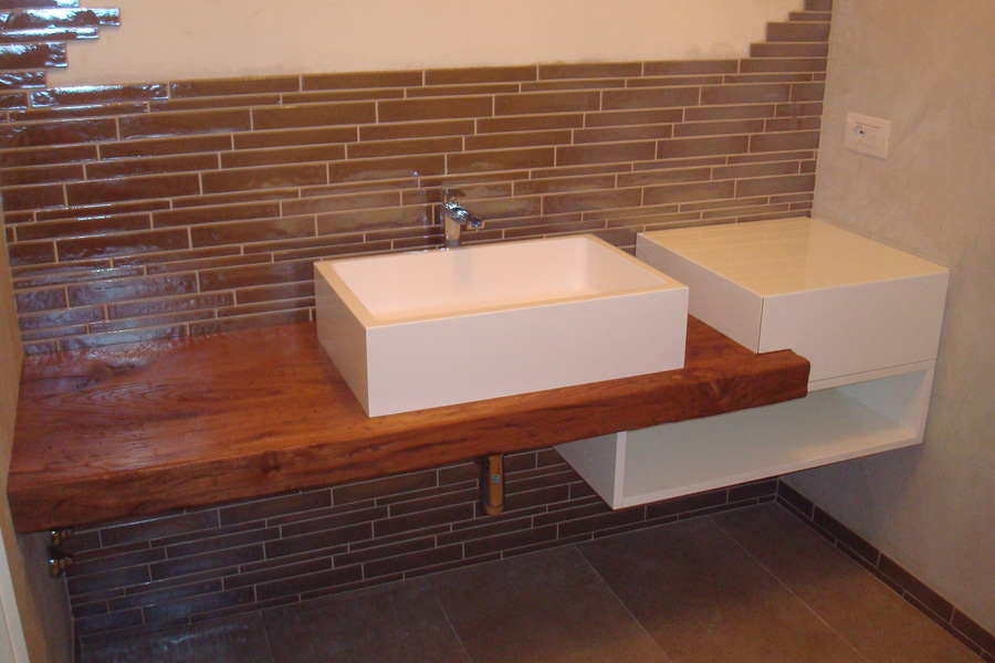 Top bagno legno idee di design per la casa for Arredo bagno cesena