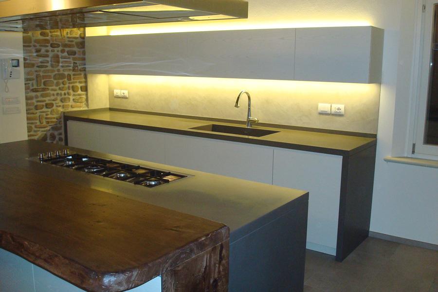 Cucine rustiche con isola su misura cesena rimini - Arredamenti cucine piccole ...