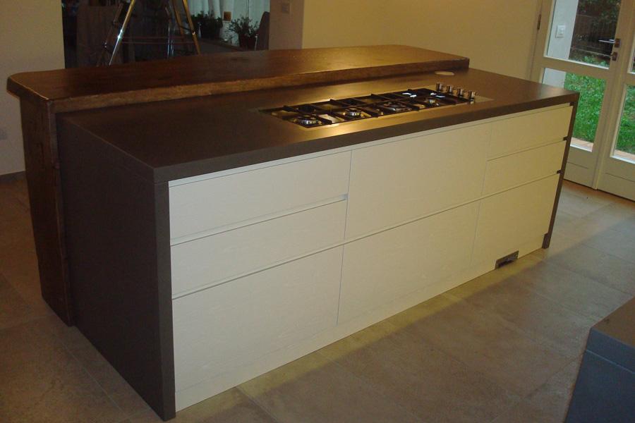 Cucine rustiche con isola su misura cesena rimini - Prese elettriche cucina ...